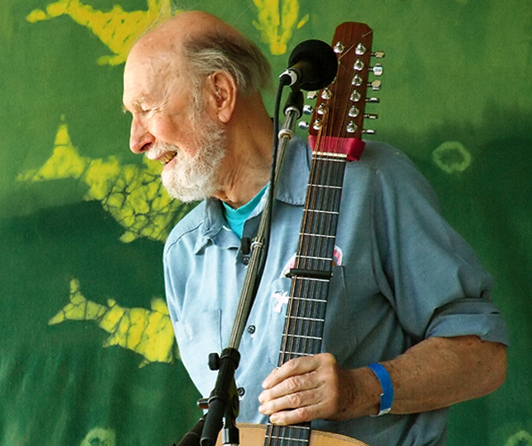 Pete_Seeger2_-_6-16-07_Photo_by_Anthony_Pepitone