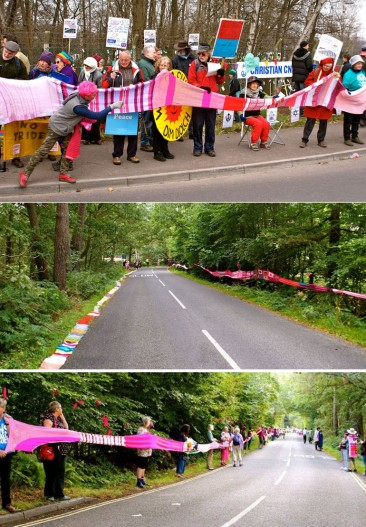 Seven-mile-Long pink scarf for Peace