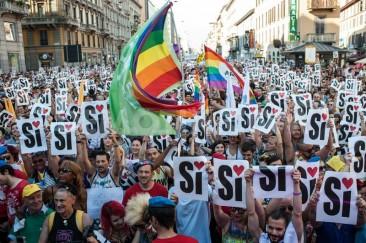 "2015 in Review – ""Sì"" for LGBTQ equality  Milan LGBT"