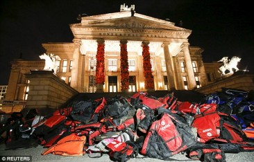 Art Project in Berlin Features Refugee Life Vests